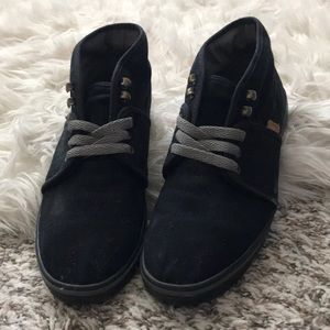 Rare Vans Shoes - Camryn